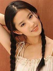 Tempting Photos of Crystal Liu