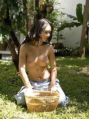 Youngasianbunnie Emiko naked outdoor