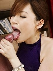 Keito Miyazawa Asian fucks herself with vibrator through fishnet