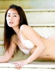 Momoko Tani shows hot body in sexy lingerie in and outdoor