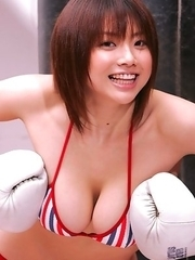 Hitomi Aizawa with big tits loves sports in hot lingerie